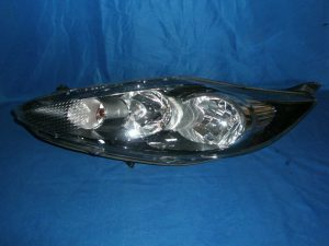 Světlo Ford Fiesta 2008-2012 cena 2200kč. černe